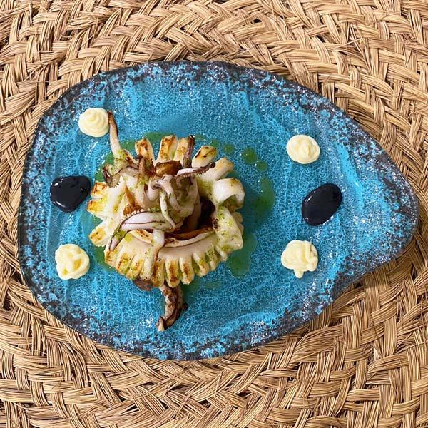 calamar-parrilla-restaurante-hotel-hey